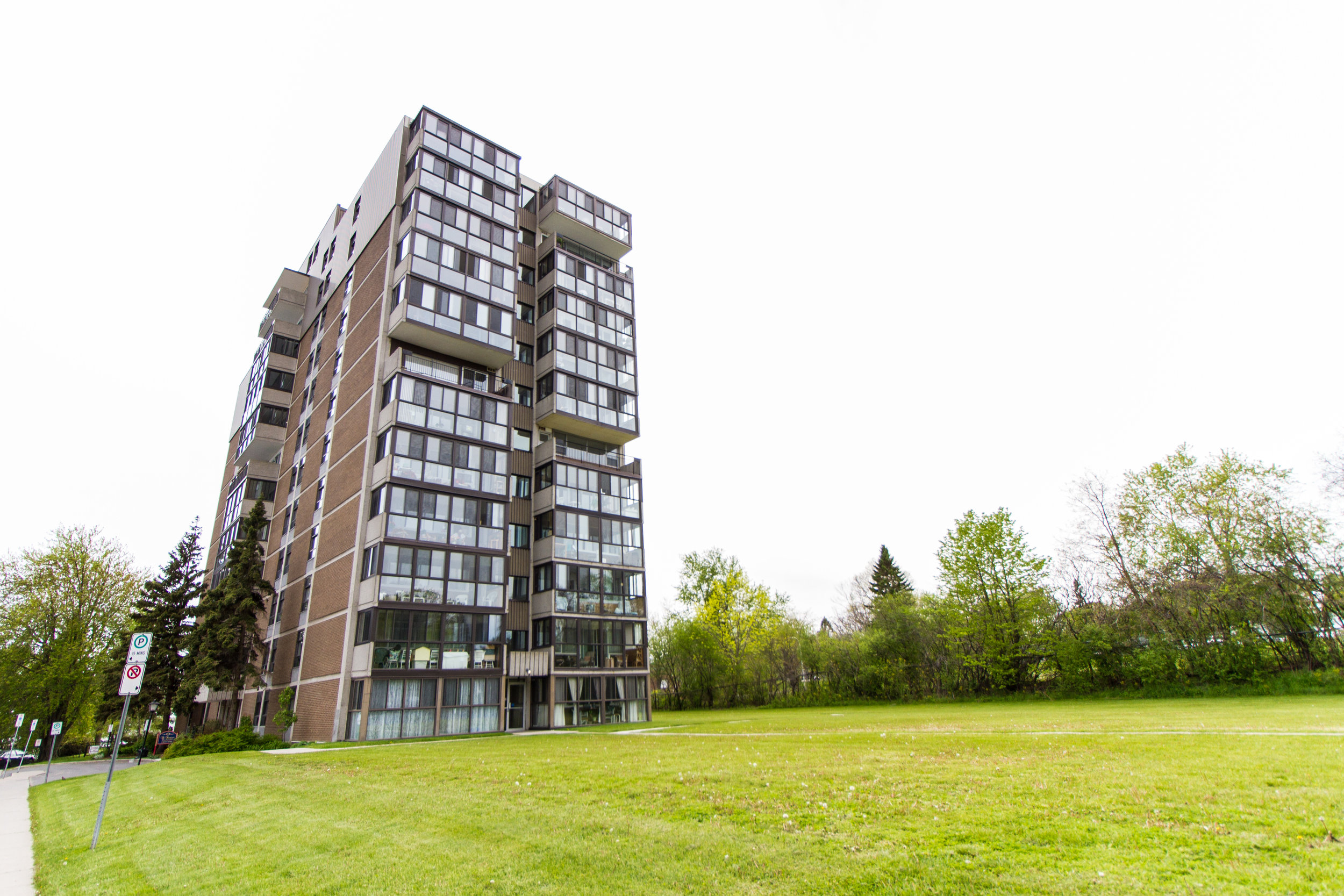 1106 - 2 Mowat Ave - SOLD -