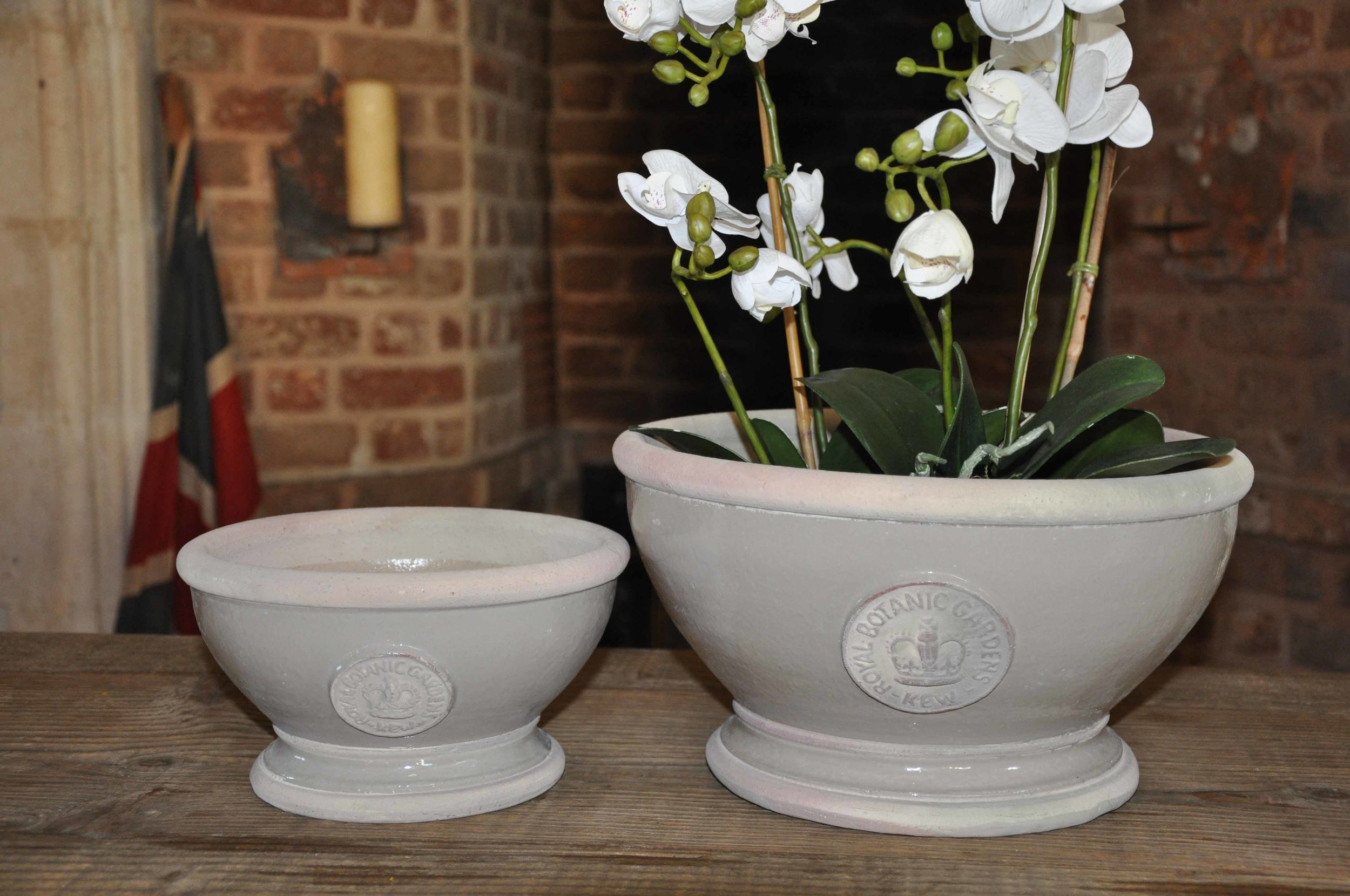 Large footed bowl H: 18.5 x W: 30.2cm - £42  Small H: 12.5 x W: 23cm - £28