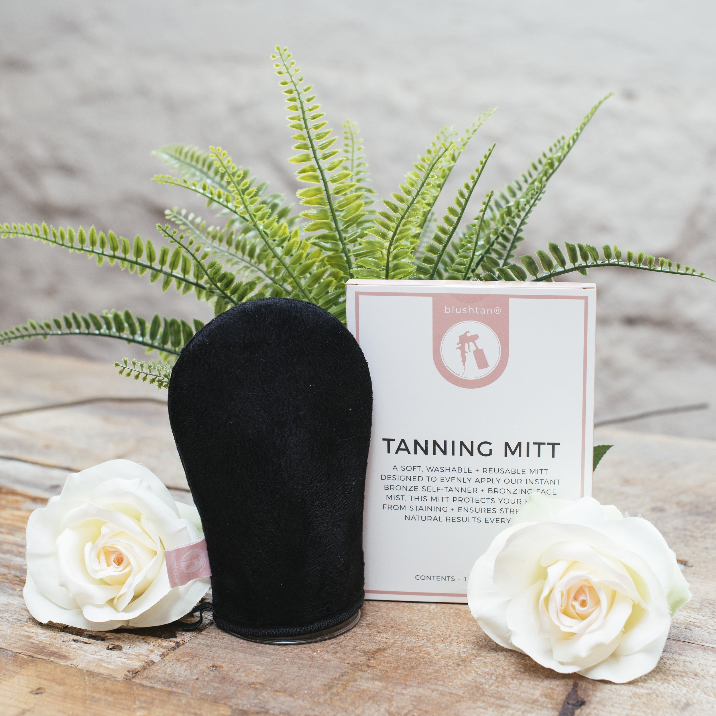 How to use: - Place your hand inside the tanning mitt and apply your self-tanner or body bronzer onto the soft surface of the mitt. Rub gently onto exfoliated, clean skin in a circular motion until product is evenly blended. Allow product to dry and repeat as desired.