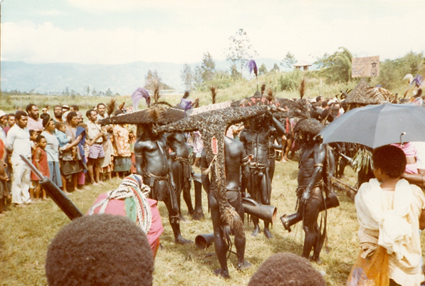 Wahgi Valley headdresses (1982)