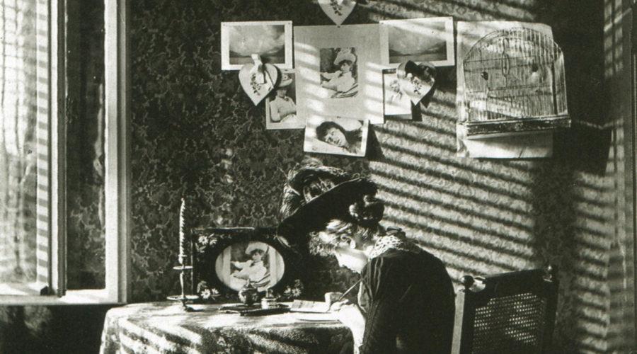 Paula-Sunlight-shadows-Berlin-1889-Alfred-Stieglitz-COP-900x500.jpg