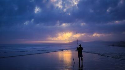 surf fishing .jpg