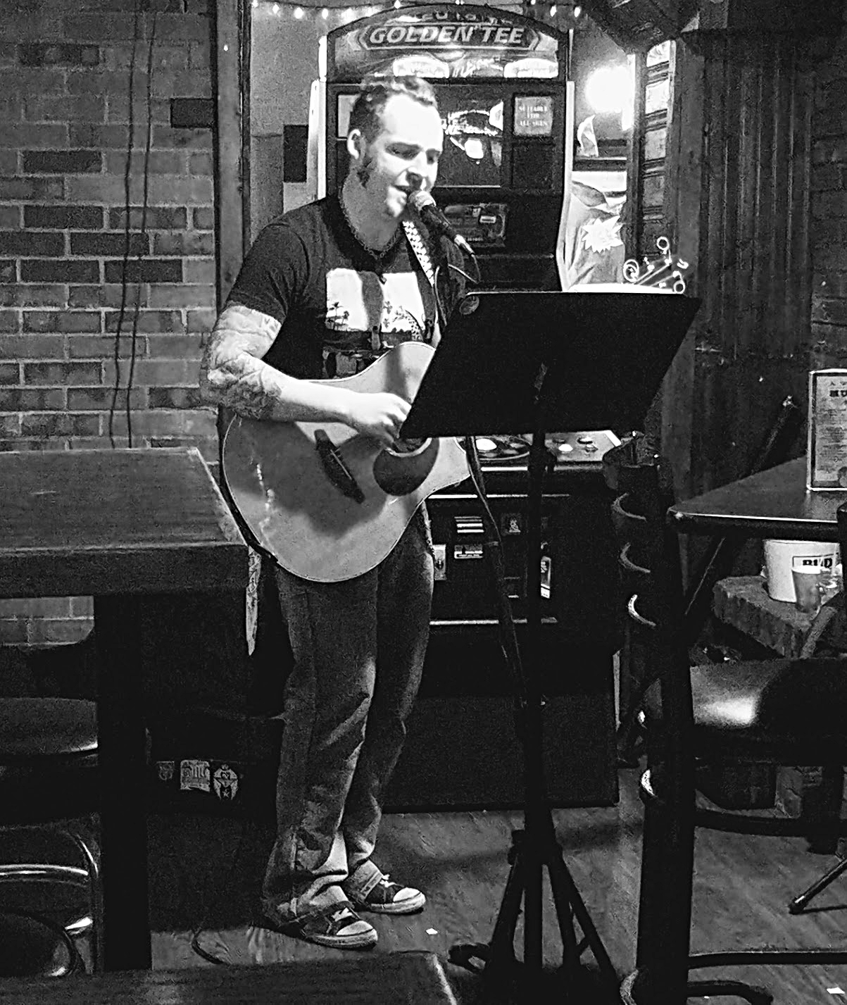 Chase Sieting performs at MD's Sports Bar & Grill Jan 13, 2018