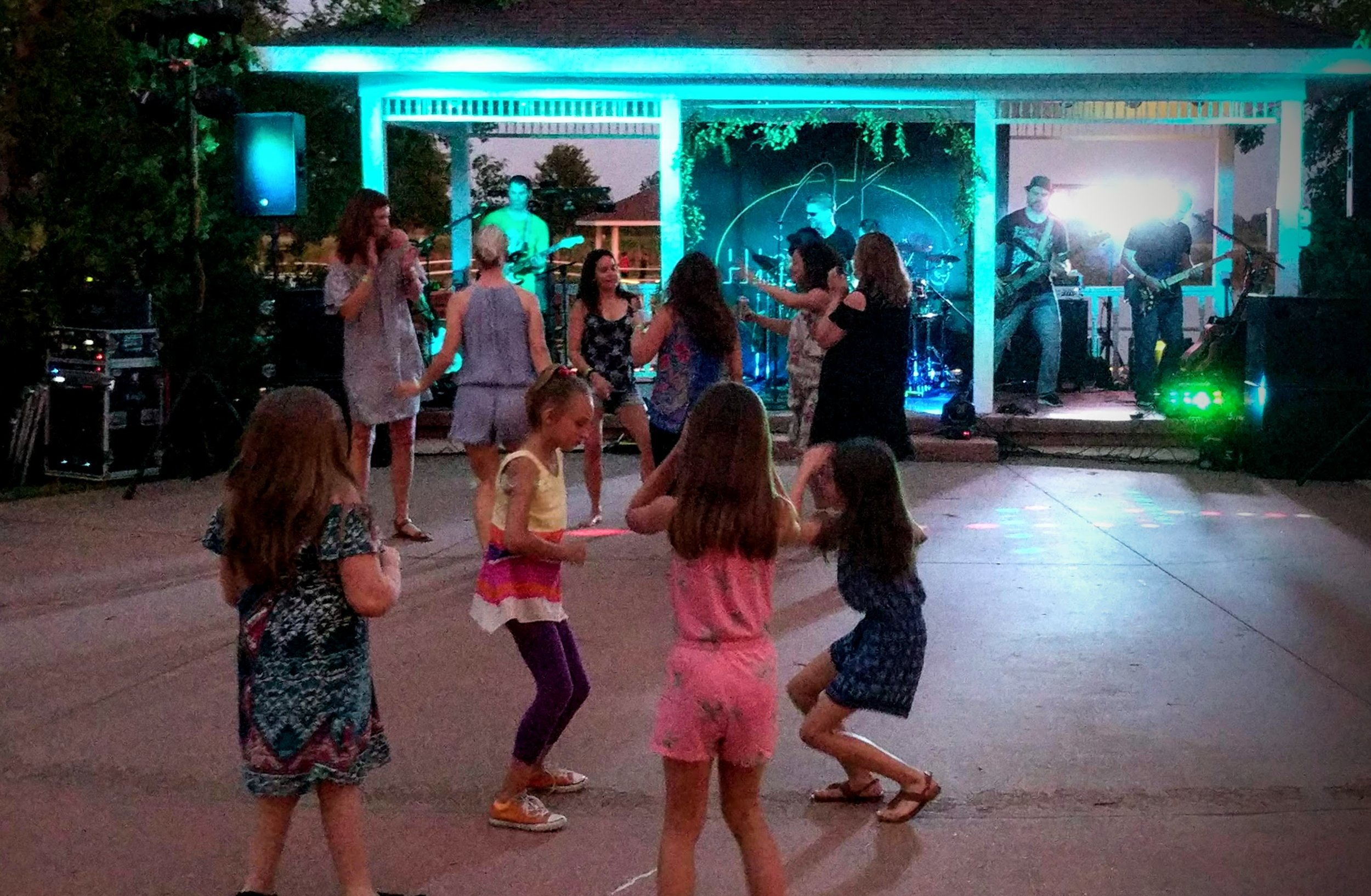 I love seeing kids exposed to music! These girls were dancing to Highway J at the Mackinaw Winery on Memorial Day Weekend.