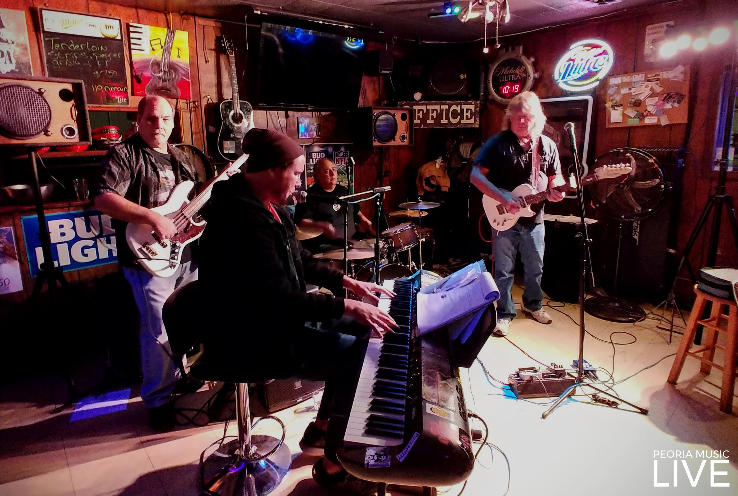 Little Jam Band and Chris Tarpley had Office on Main packed last weekend. It was a great combo that had everyone dancing… 11/10/2018