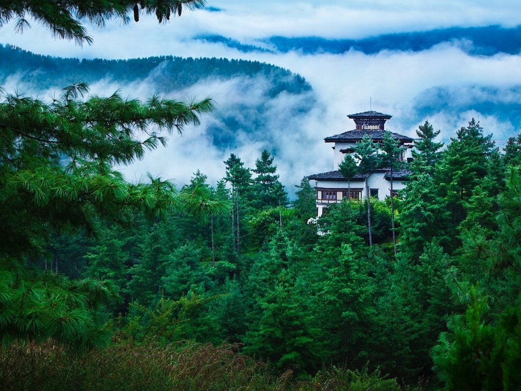 Elena-Brower-yoga-retreat-at-Como-Shambhala-Retreat-by-Uma-at-COMO-Paro-Bhutan.jpg