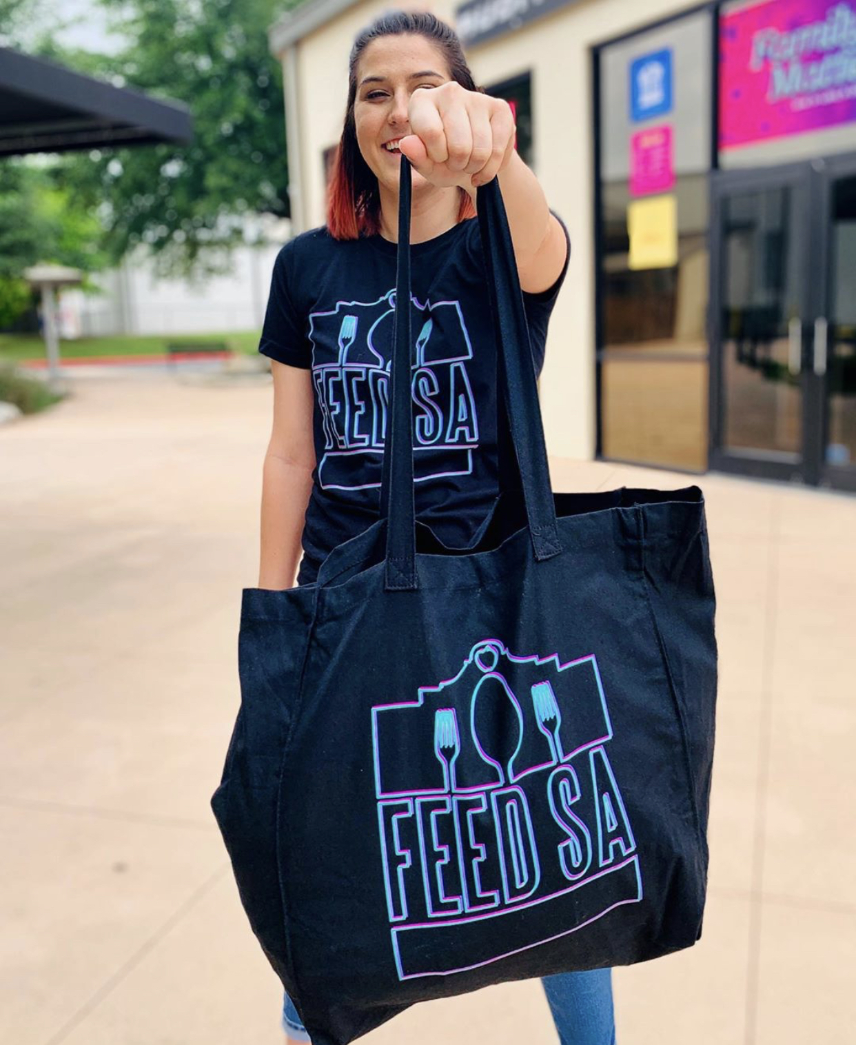 FEED SA - Feed SA is a local community movement devoted to fighting hunger and feeding hope.  Every year, Life Point Church joins forces with churches and organizations across the city to provide food for thousands of families in need.