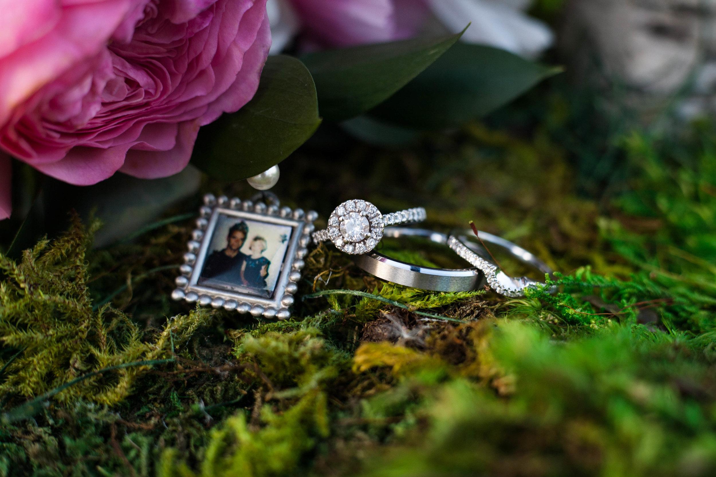 Gaylord-michigan-wedding-photography-ring