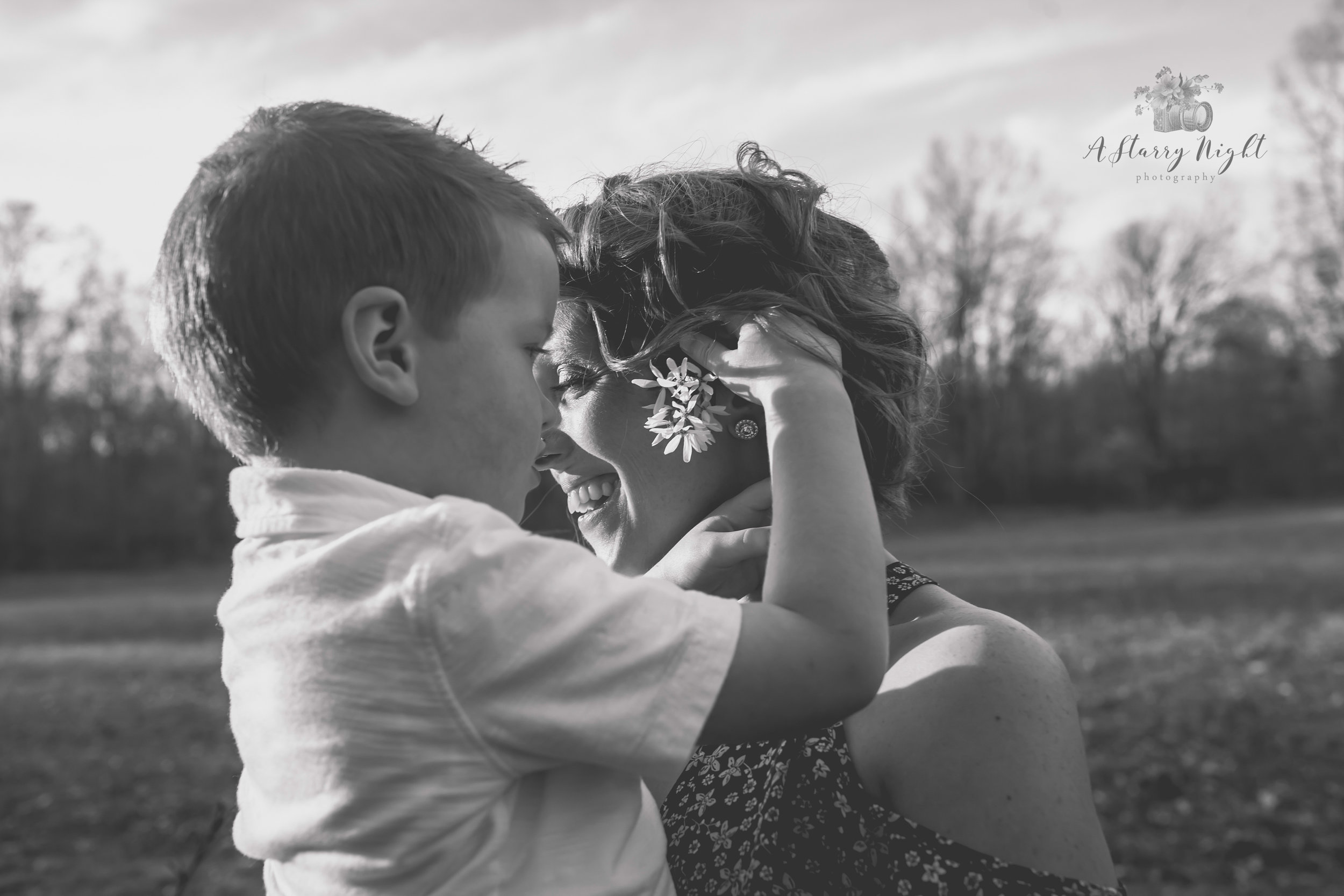 Mommy-and-me-clare-michigan-photographer.jpg