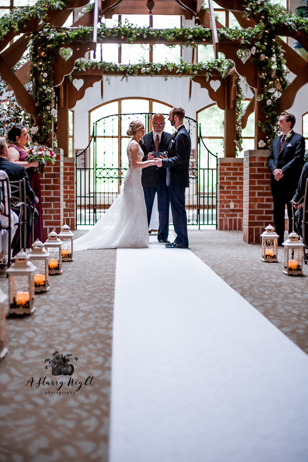 Wedding-Ceremony-Bavarian-Lodge-Frankenmuth.jpg
