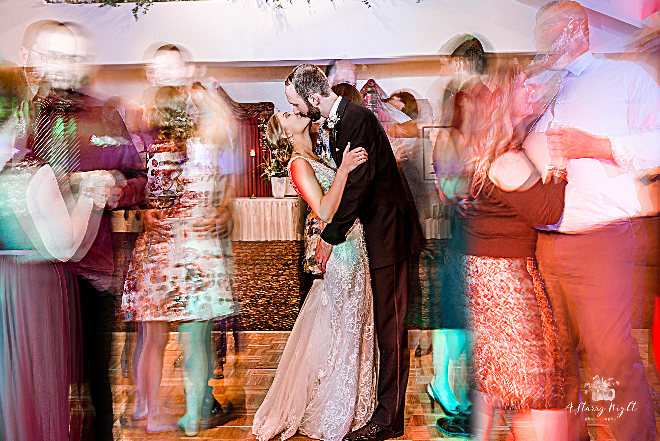 frankenmuth-wedding-brewery-bavarian-lodge-reception.jpg