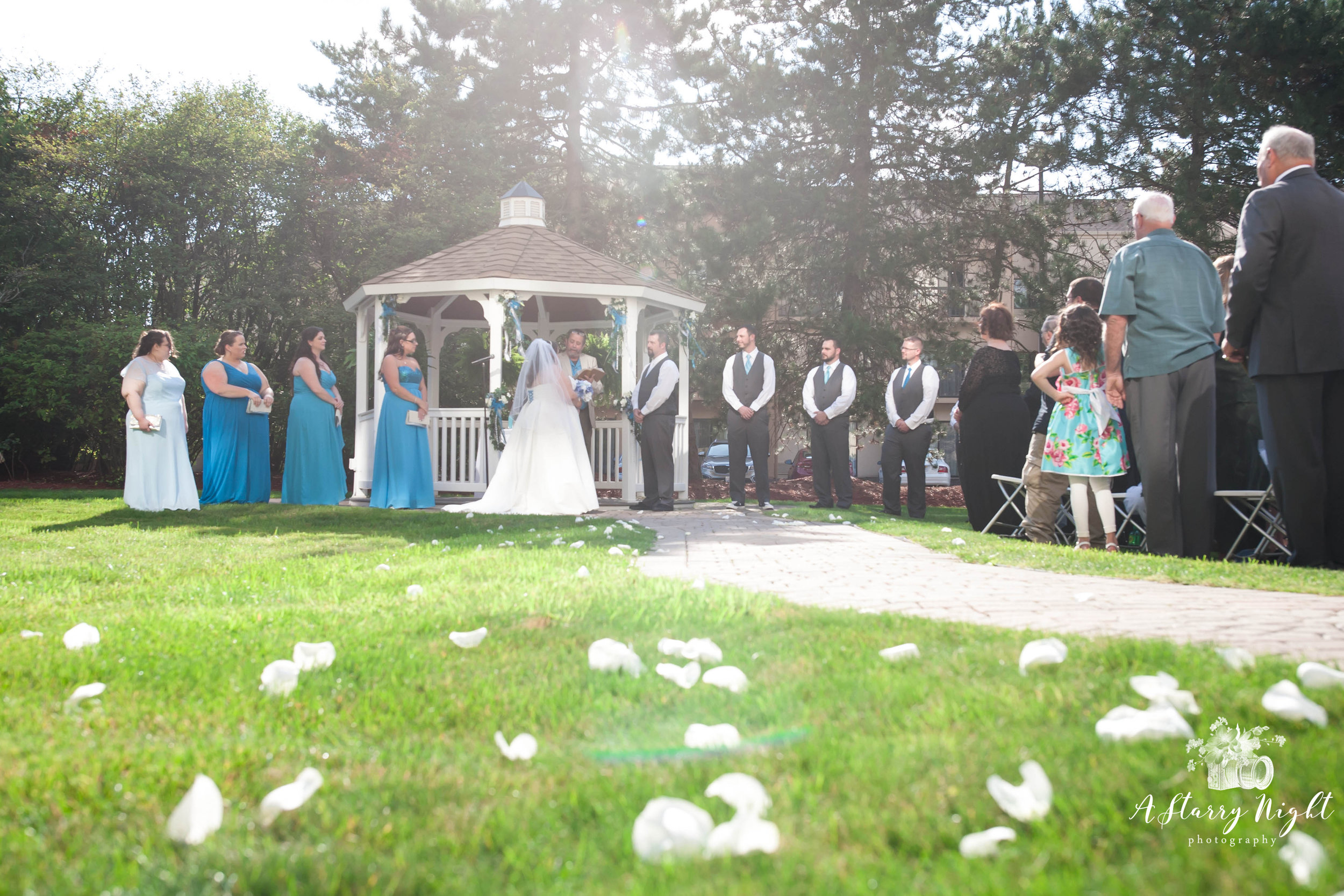 Courtyard-detroit-wedding-ceremony-outdoor-guests.jpg