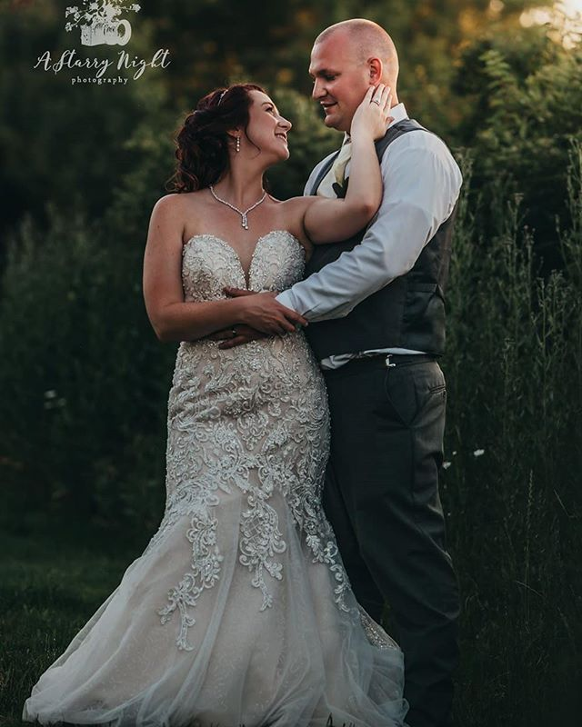 Ahhhhhhh! Don't these two just look amazing and so in love????? We thought so too! ;) Let's celebrate the newly married couple Alex & John and their AmAzInG wedding!  #shebandedtomasini #michiganweddingphotographer #theknotweddings #weddingwire #junebugweddings #theknotbride #midwestwedding #grandrapidsphotographer #grandrapidsweddingphotographer #saginawesome #makeadventure #thatsdarlin #isaidyes #midwestbride @bridemagazineofficial @midwestbride @bridesofamerica