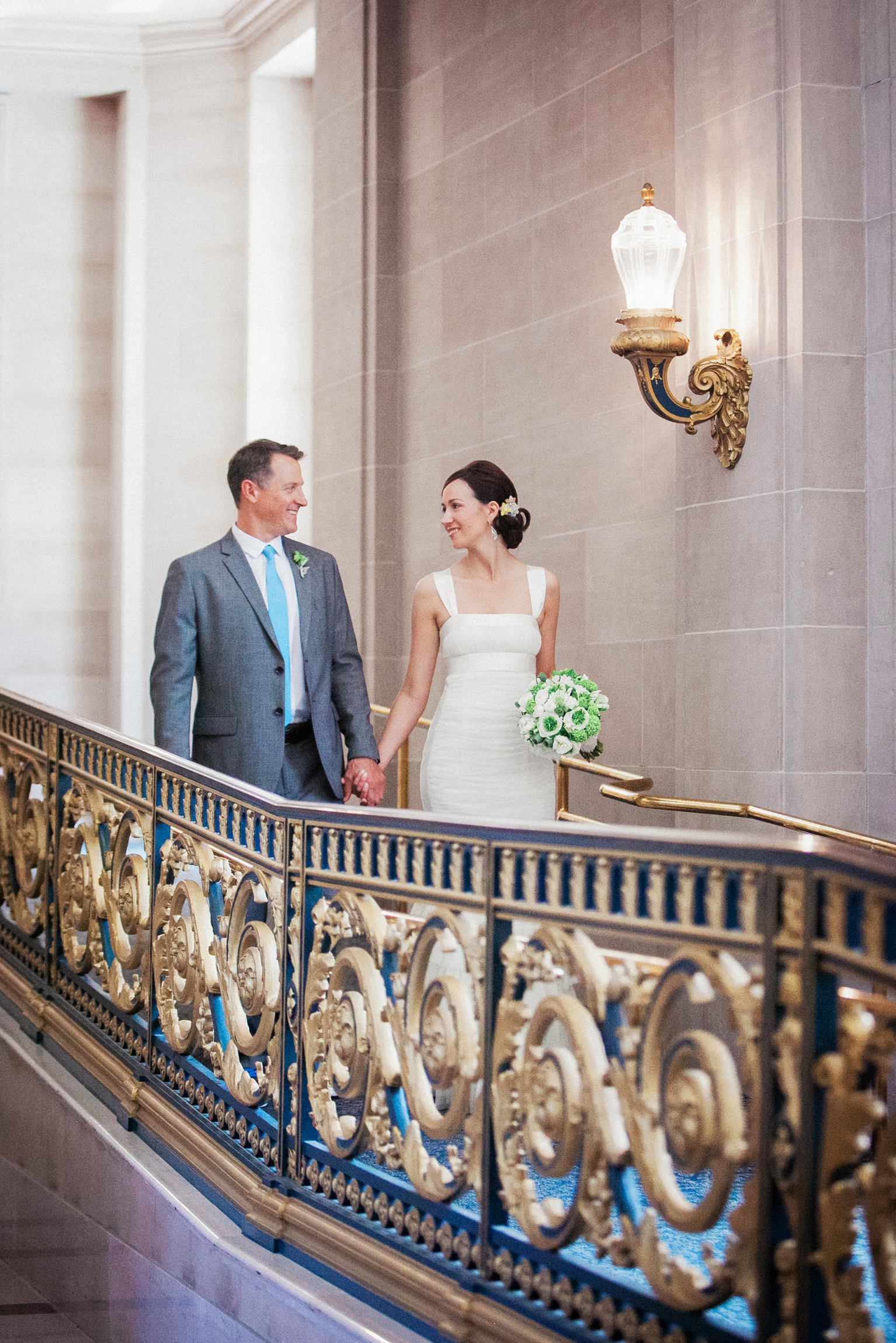 005_janaeshieldsphotography_sanfrancisco_cityhall_weddings.jpg