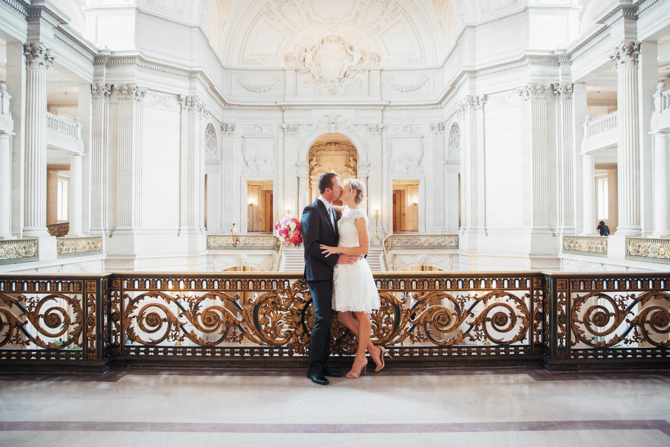 030_janaeshieldsphotography_sanfrancisco_cityhall_weddings.jpg