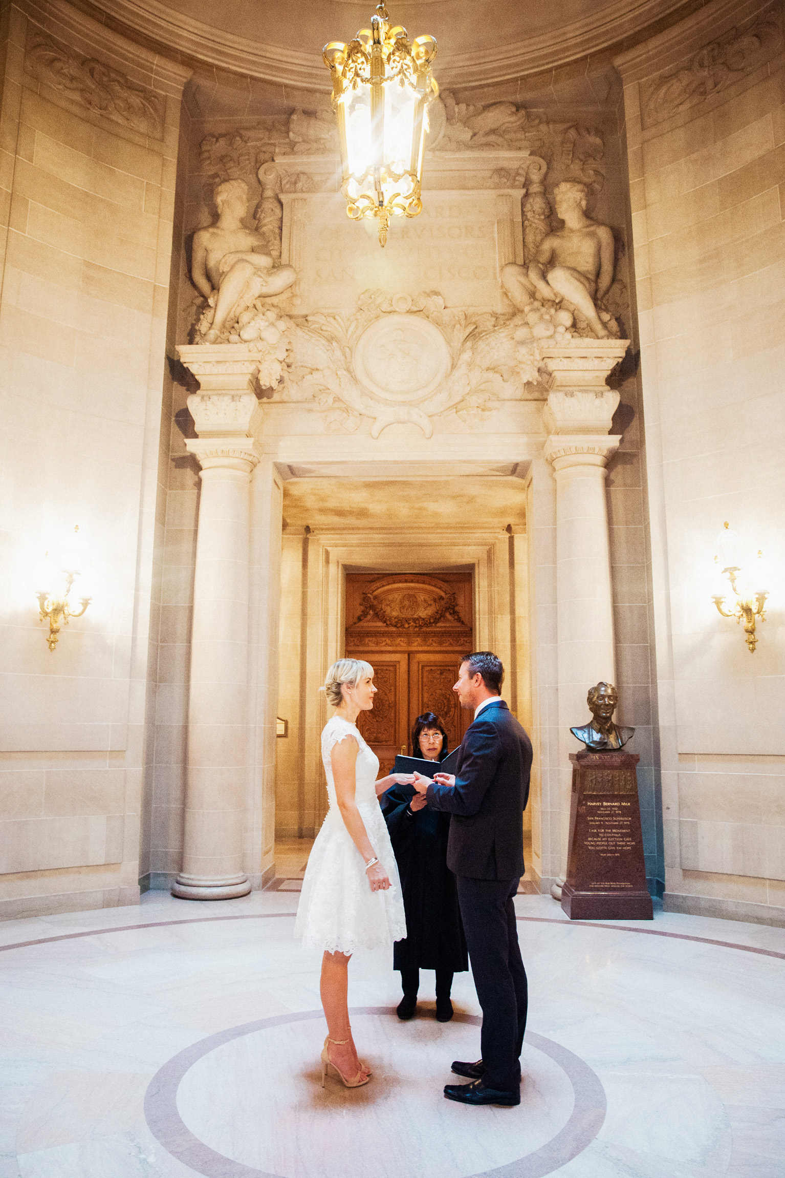 035_janaeshieldsphotography_sanfrancisco_cityhall_weddings.jpg