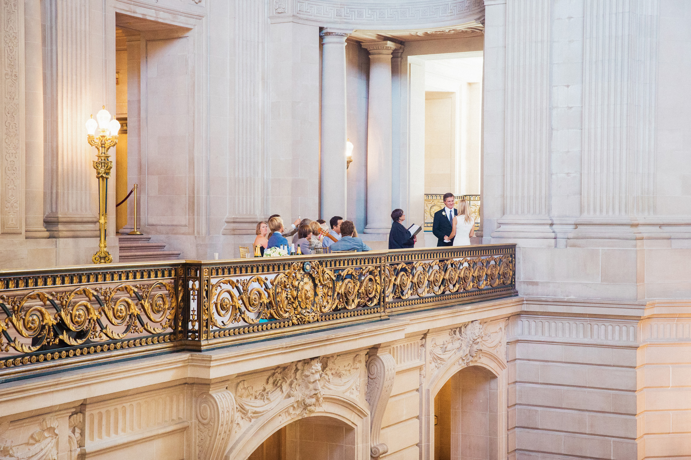042_janaeshieldsphotography_sanfrancisco_cityhall_weddings.jpg