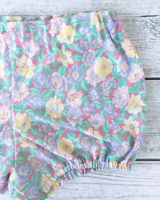 One of my favorite florals 💗 I have a 0/6 Months and a 3t left in these bloomers 💗 $11 each