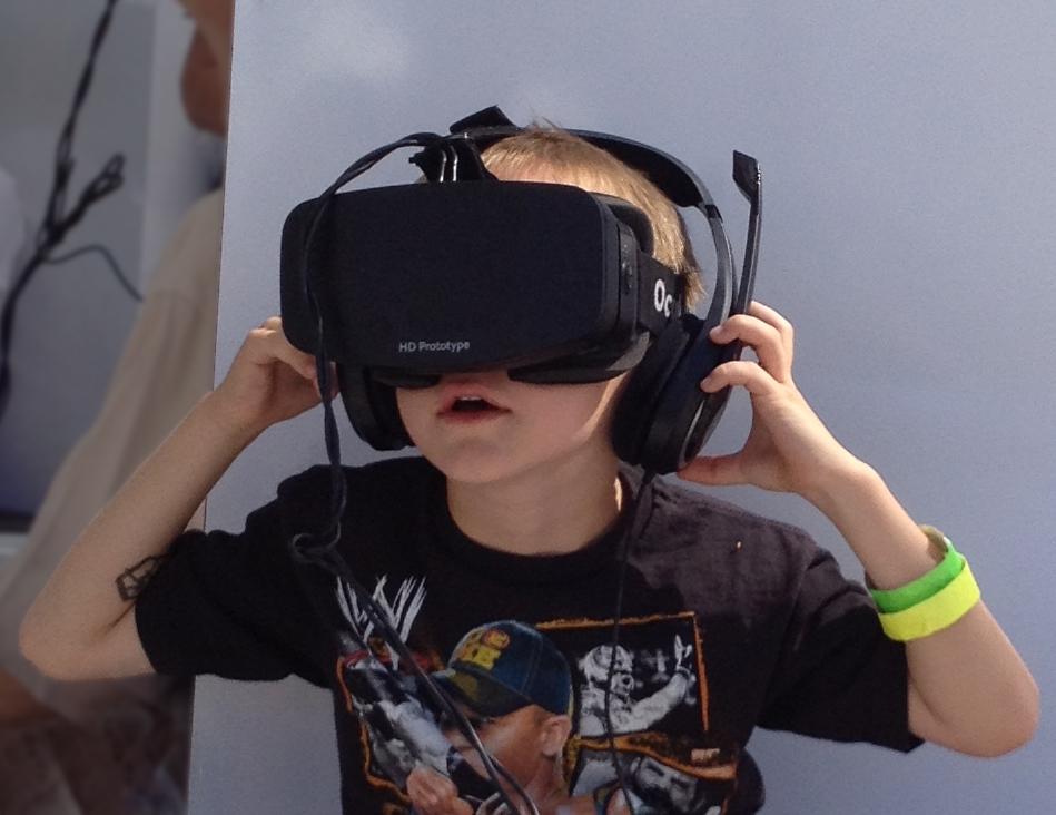 Boy_wearing_Oculus_Rift_HMD.jpg