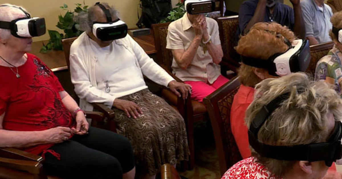 Seniors socializing with virtual reality.jpg