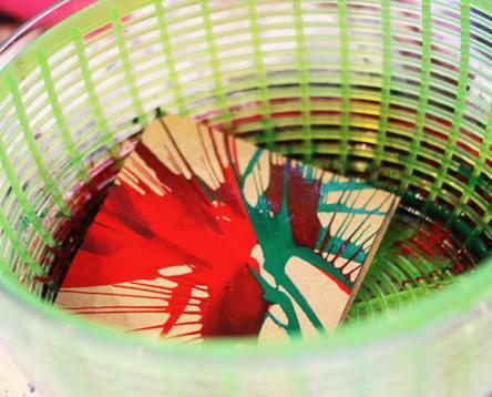 kids-stationary-DIY-craft-inspiration-idea-process-spin-art.jpg