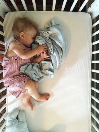 transitional-attachment-objects-children-how-to-blankie.jpg