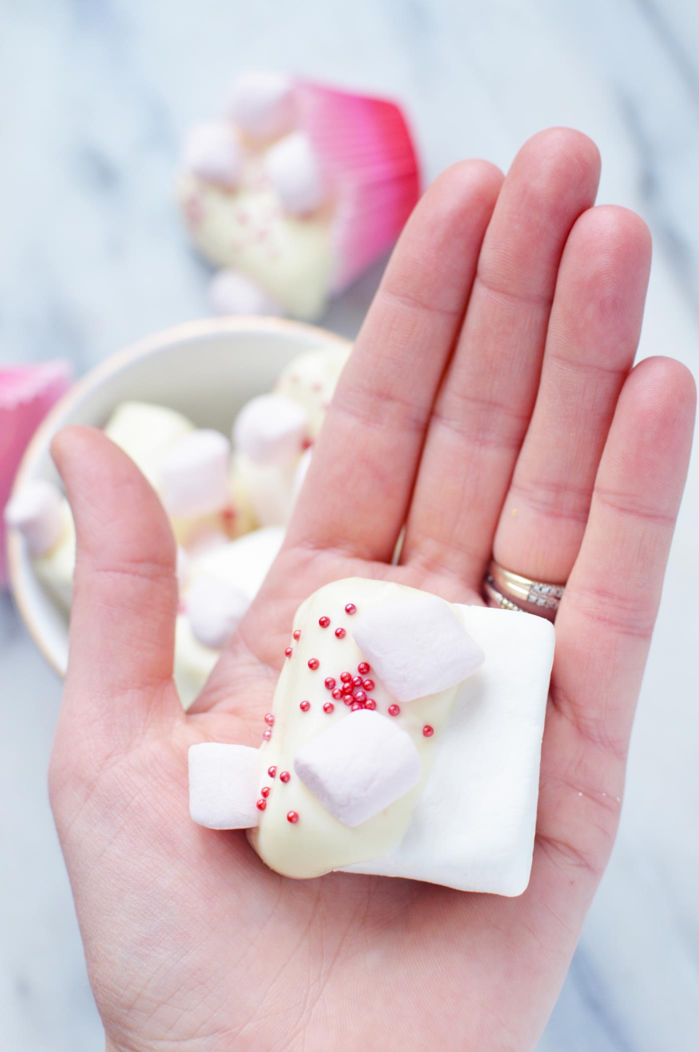_White chocolate dipped marshmallows  (5).JPG