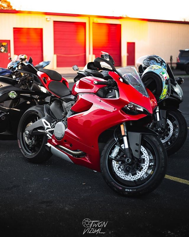 Cycle Gear bike night photos will drop tonight!  __________  #ducati #panigale #ducatipanigale #panigalev4 #panigalekings #ducaticorse #ducatigram #superbike #ducatista #motorcycle #ducatistagram #panigale899 #panigale1199 #ducatinsta #ducatisti #panigale1299 #panigale959 #yamaha #1199 #ducatimonster #ducatilife #motogp #bikelife #kawasaki #panigalefever #honda #sportbike #bikersofinstagram #panigaler #ducatiperformance