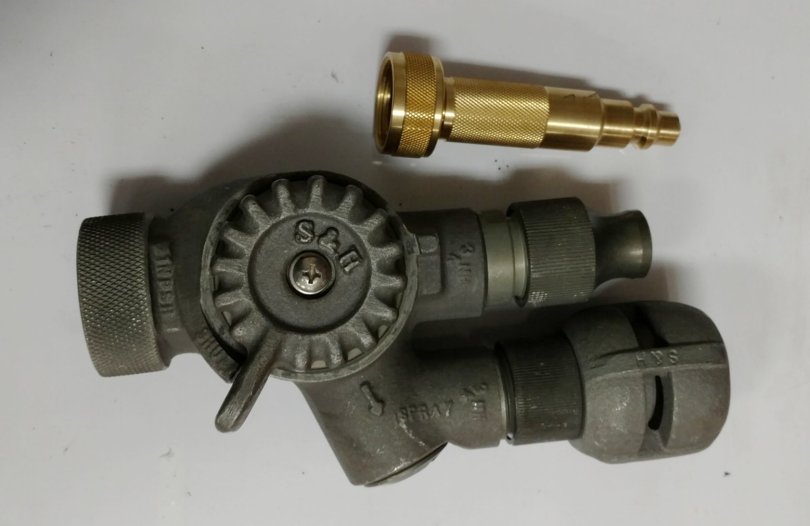The forester twin tip nozzle can be fitted with the Dual Purpose Nozzle for tripple the use.