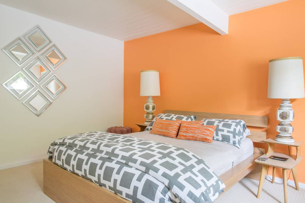 orangeroom.jpg