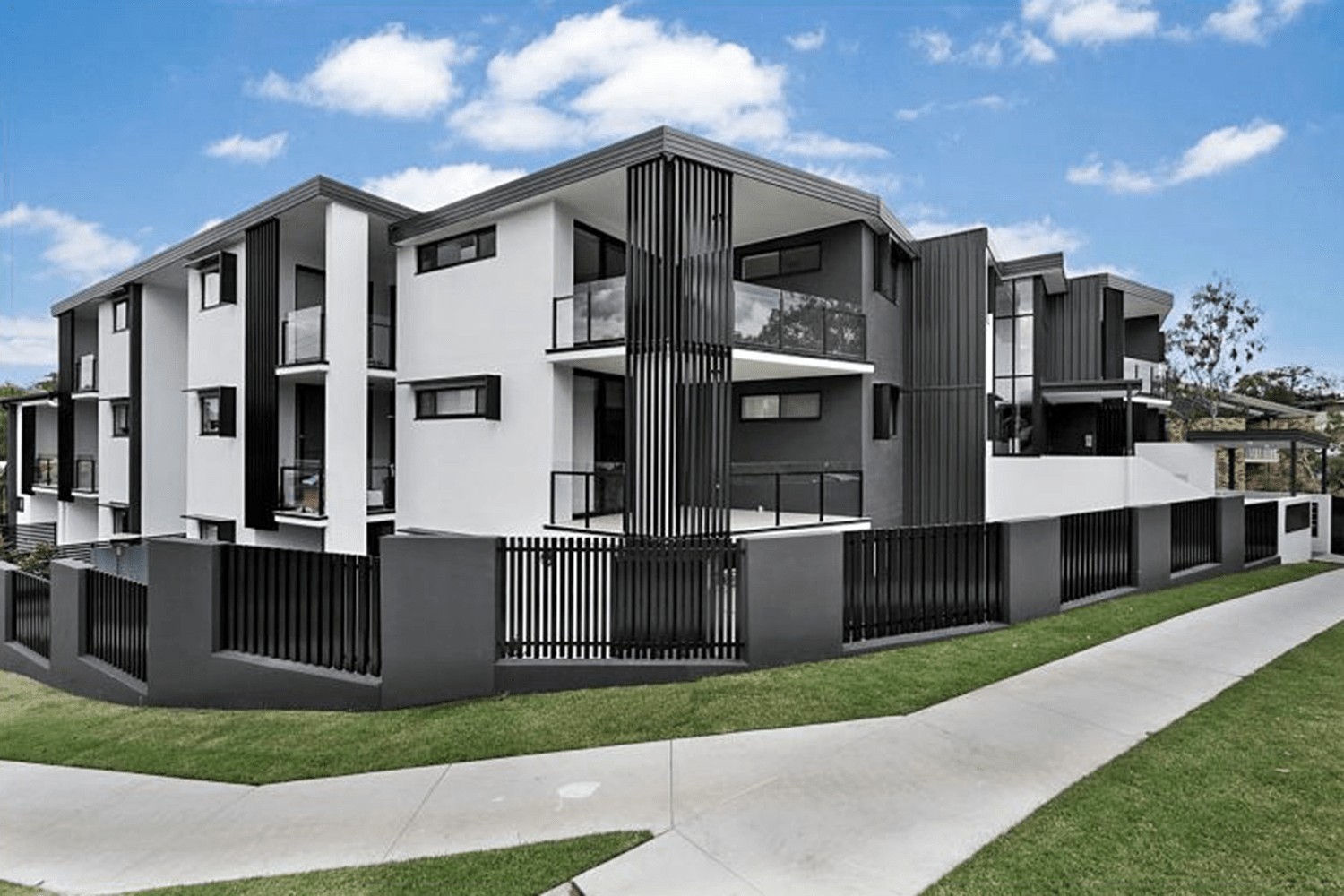 "<p class=""project-name""> Stanley St, Indooroopilly</br><p class=""project-category"">Multi-residential</p>"