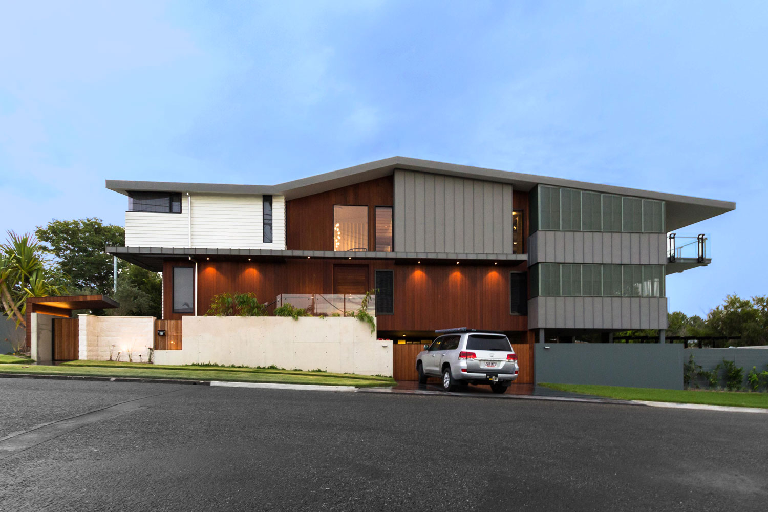 "<p class=""project-name"">Tarragindi Rd, Tarragindi</br><p class=""project-category"">New Homes</p>"