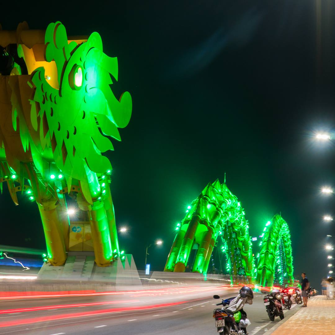 GOAL TRAVELER-DRAGON BRIDGE DA NANG VIETNAM.jpg