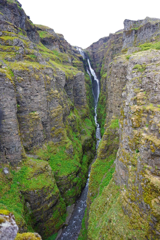 GOAL TRAVELER-ICELAND-WATERFALL.jpg