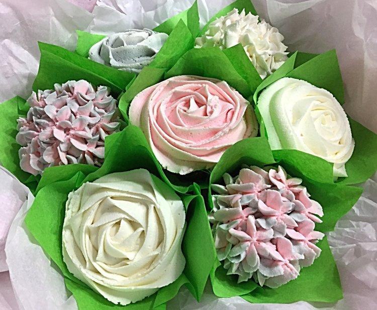terri bakes cupcake2.jpg
