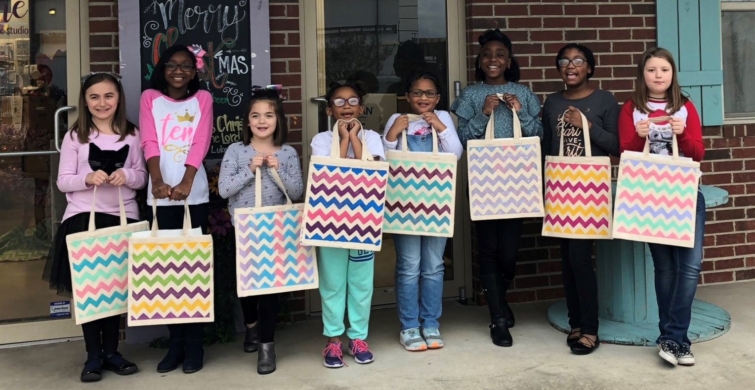 painted tote bags birthday party kids.jpeg