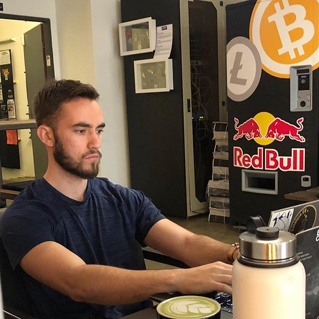 📸 @sirsherwood  Did some writing today at Paralelní Polis, a Bitcoin cafe in Prague and home to the Institute of Cryptoanarchy. I've probably been to 30+ coffee shops and cafes here and this is my new favorite. The atmosphere was chill and the decorations brought a smile to my face. Best of all... After I finished my drink and it was time to pay, I pulled out my phone, scanned the QR code for their Bitcoin wallet, entered the amount I owed, and pressed Confirm. 1 second later the payment arrived. There's no doubt in my mind that mobile payments are going to replace credit and debit cards. That's already the case in China now with WeChat pay, and its only a matter of time before the rest of the world follows suit. Question is, will we be using government controlled currencies with uncapped inflation and hard borders, or will we use currencies governed by transparent code with no borders and no rulers? All are welcome to place their bets!