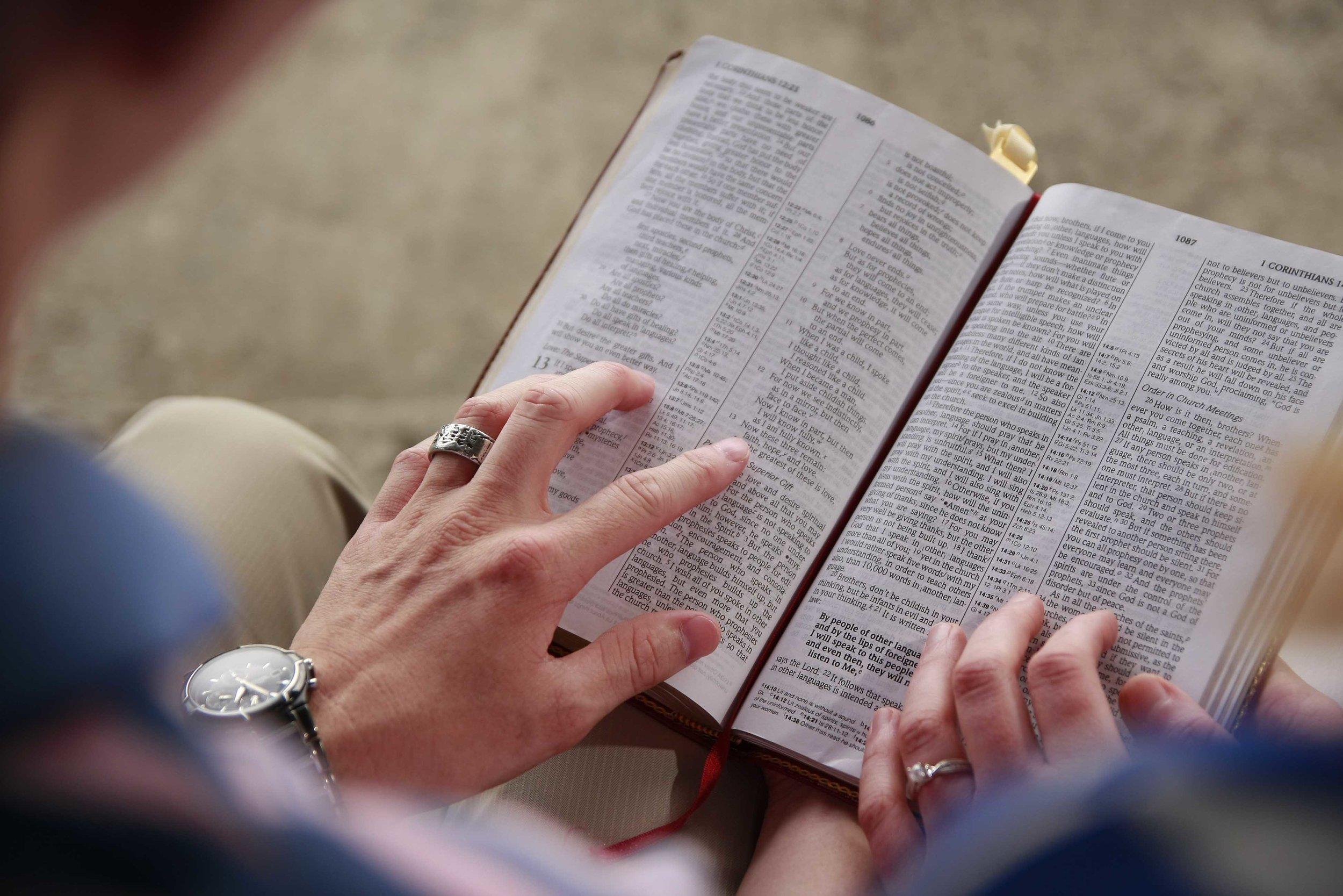 32362_Couples_Bible_Study.jpg