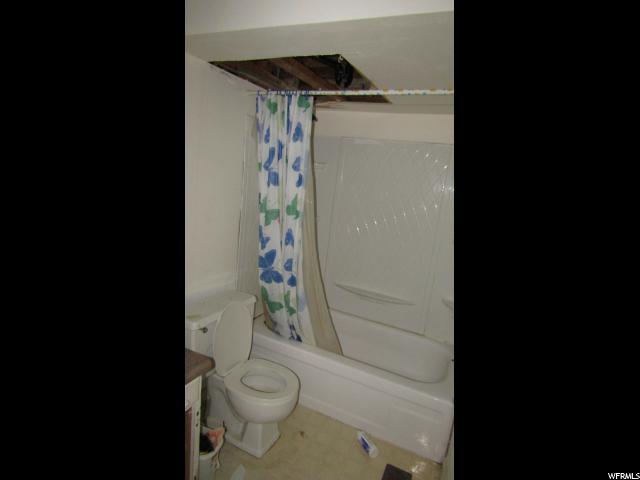 beforephoto_downstairsbath.jpg