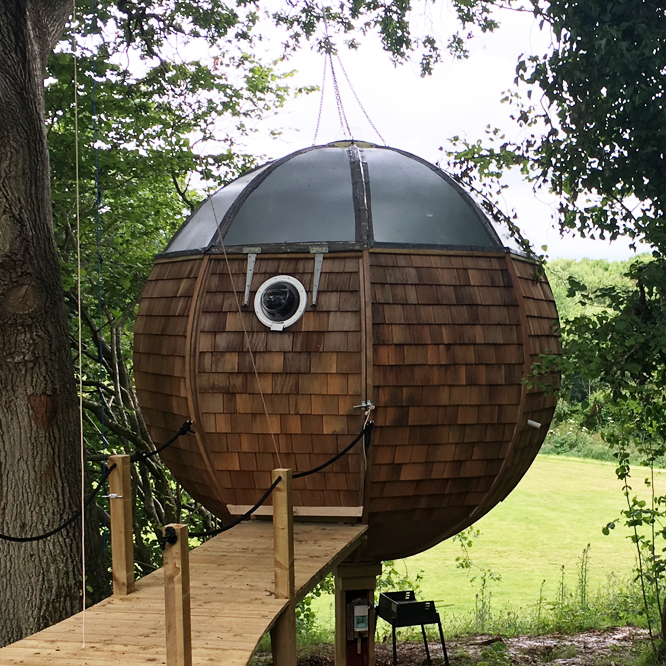 Floating Tree Sphere - Our cosy, suspended tree house... perfect for two who want to escape it all...