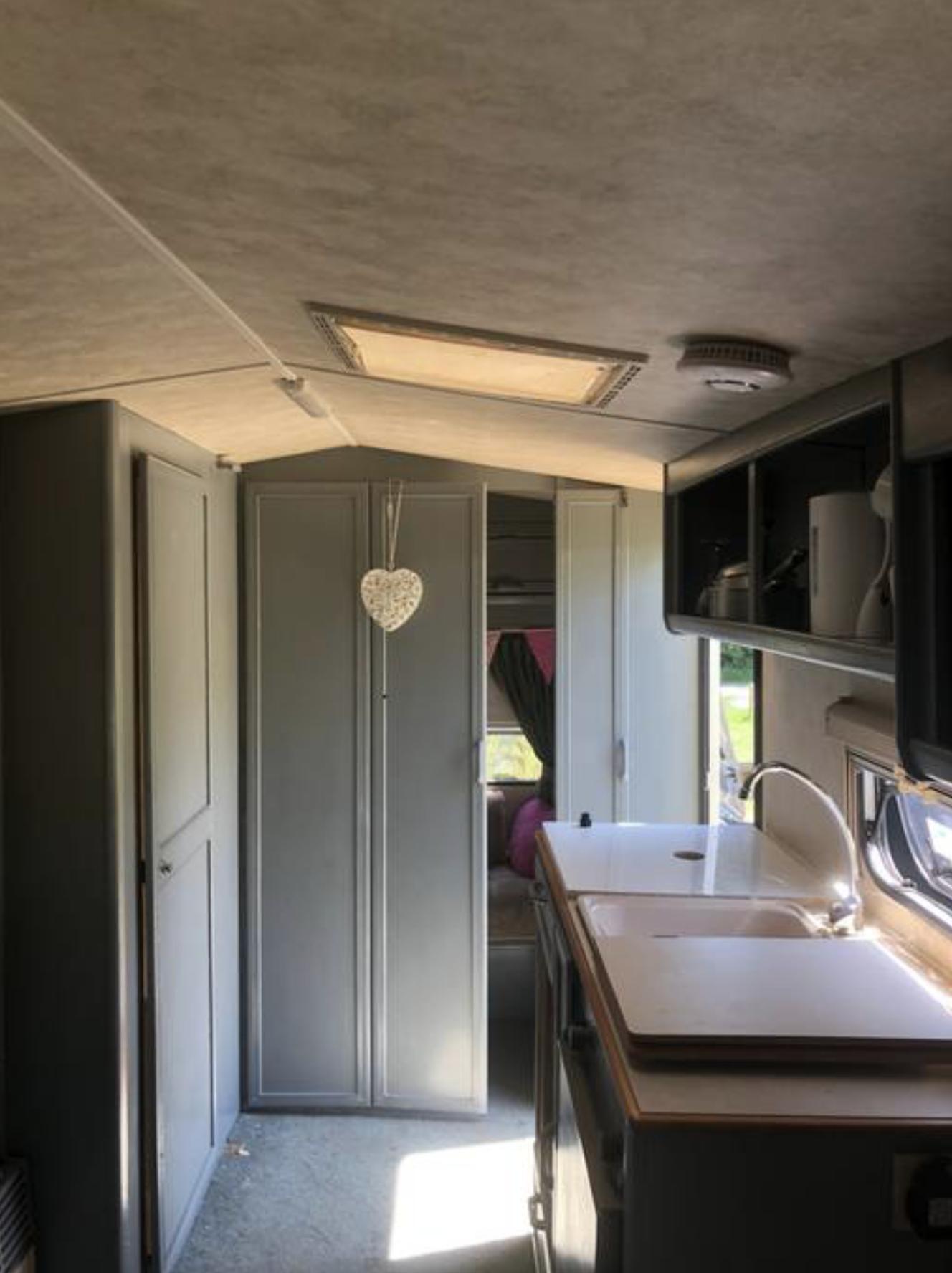 Paryfield Dorset Retro Caravan 5.png