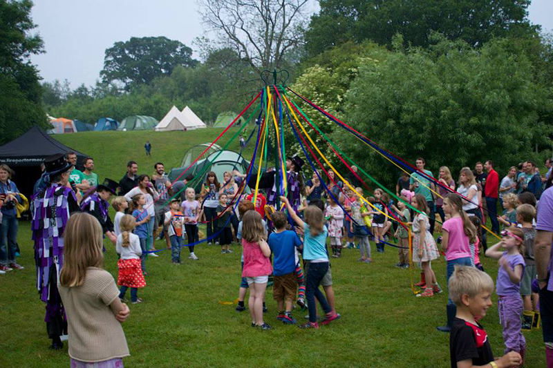 Partyfield Dorset childrens party May pole .jpg
