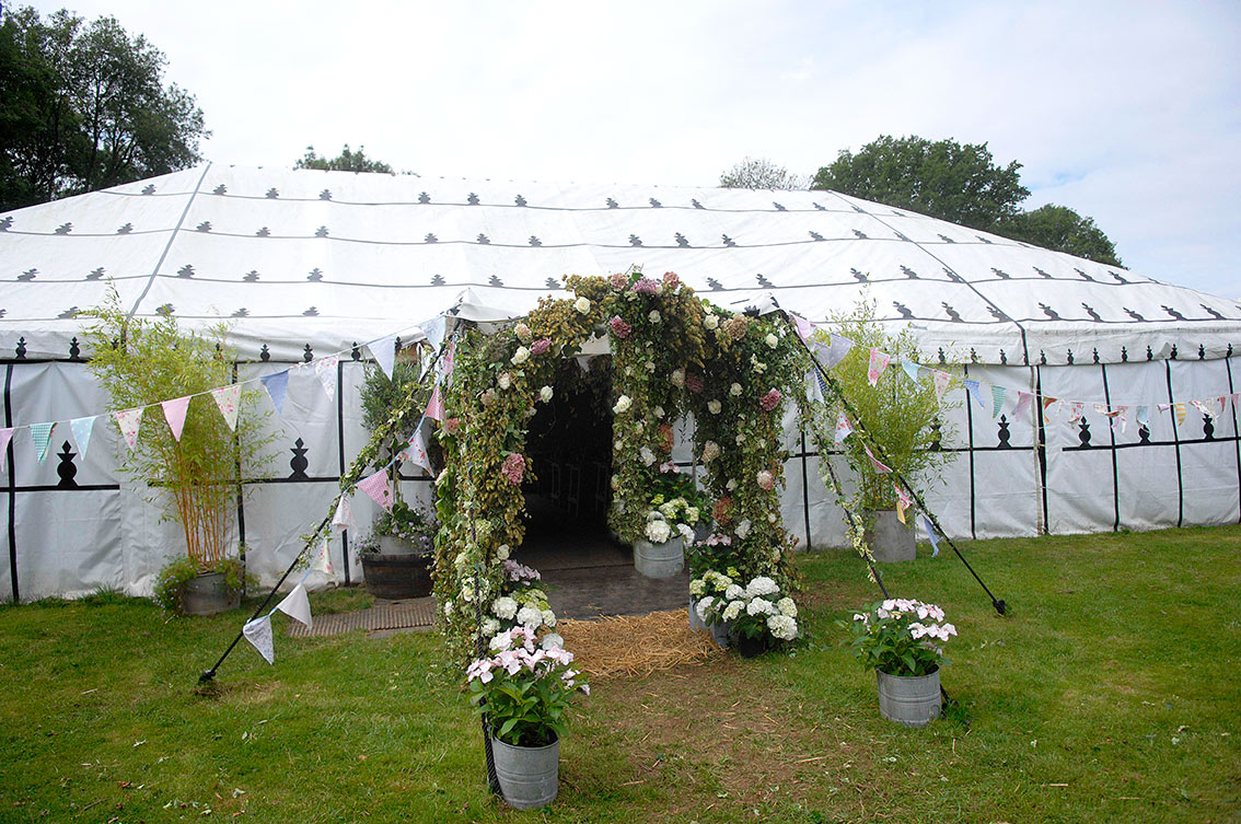 Partyfield-wedding-marquee-2.jpg