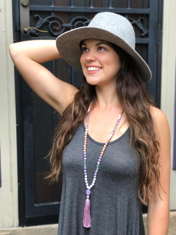 Alyssa Kuzins<br/>Yoga & Meditation Teacher<br/>Journal Deck Founder