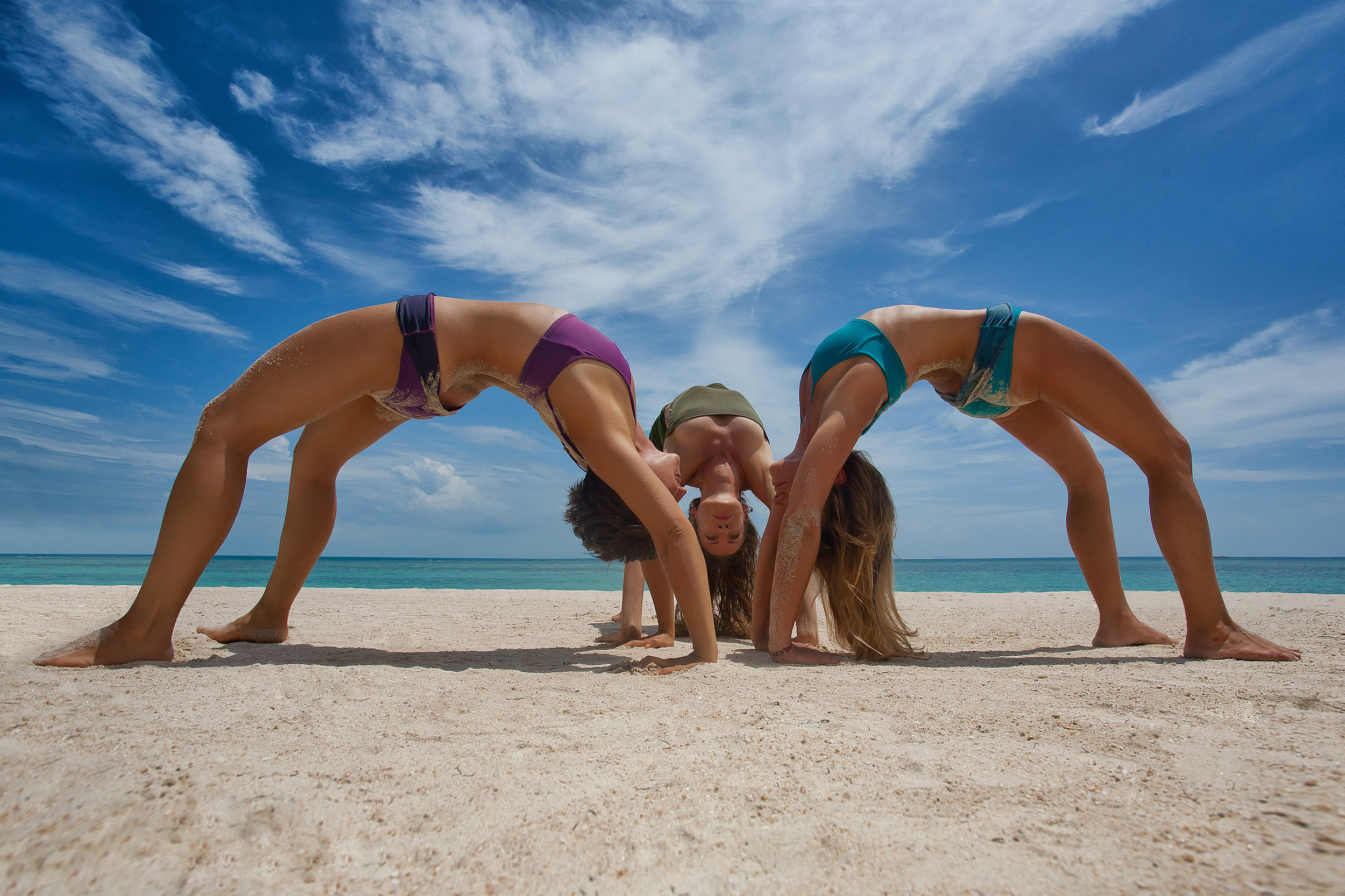 Jessica-vilches-yoga-teacher-training-200-hrs-yoga-alliance-iphm-ashtanga-vinyasa-yoga-goa-india-arambol-ubud-bali
