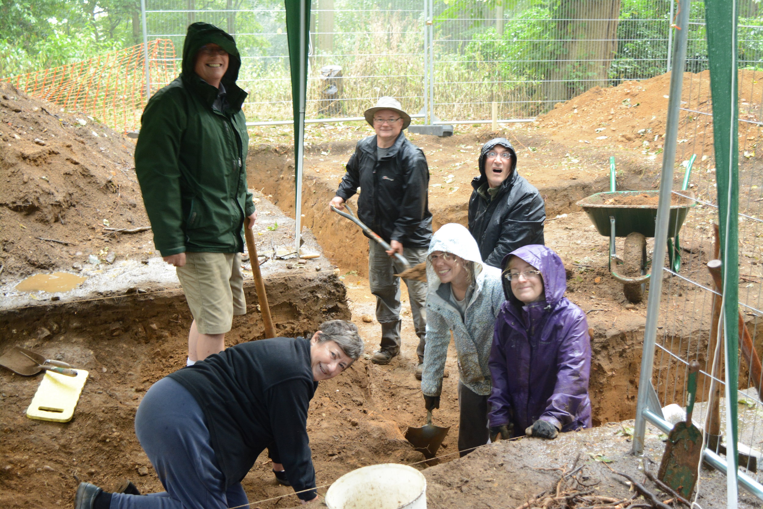 Excavations by volunteers in Laurel Wood, looking for the late-Medieval standing.