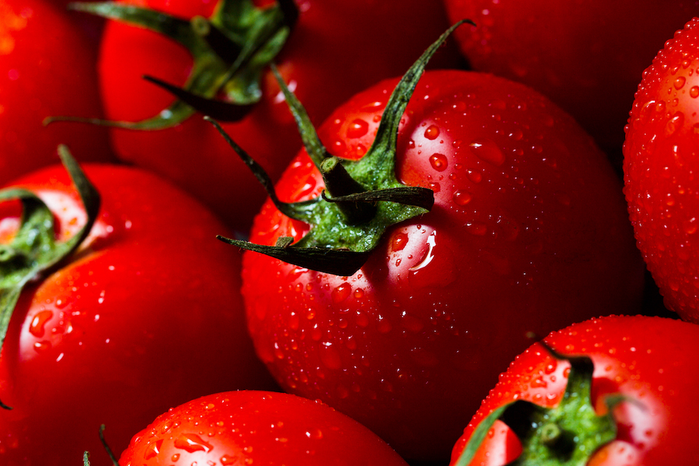 red-tomatoes-with-water-drops-PAW3NG9.jpg