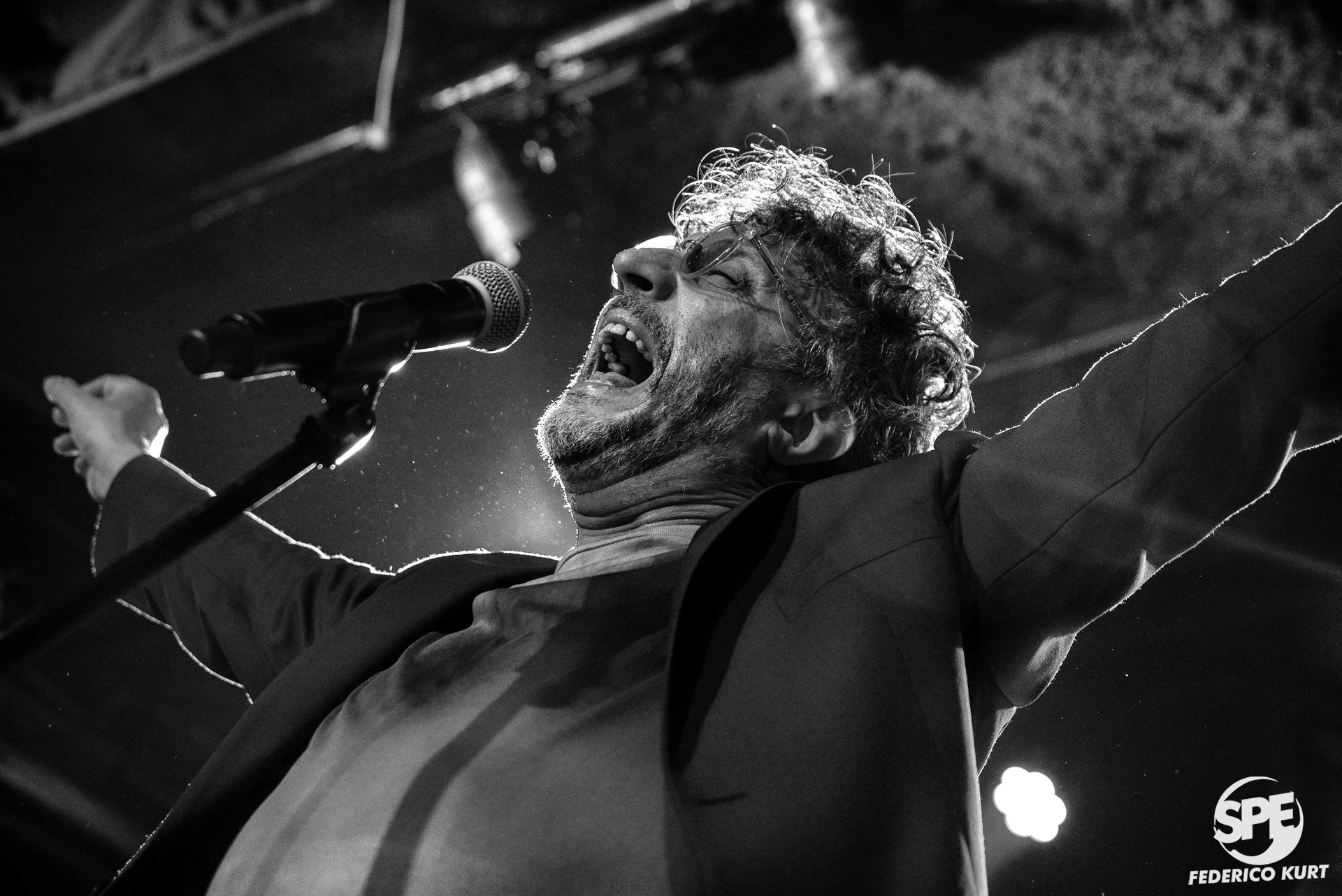 FITO PÁEZ - 23.12.2018#EnFotos: el año de Fito Páez, que incluyó numerosos Gran Rex, concierto en New York y un sin fin de shows, cerró en un concierto íntimo en La Trastienda.