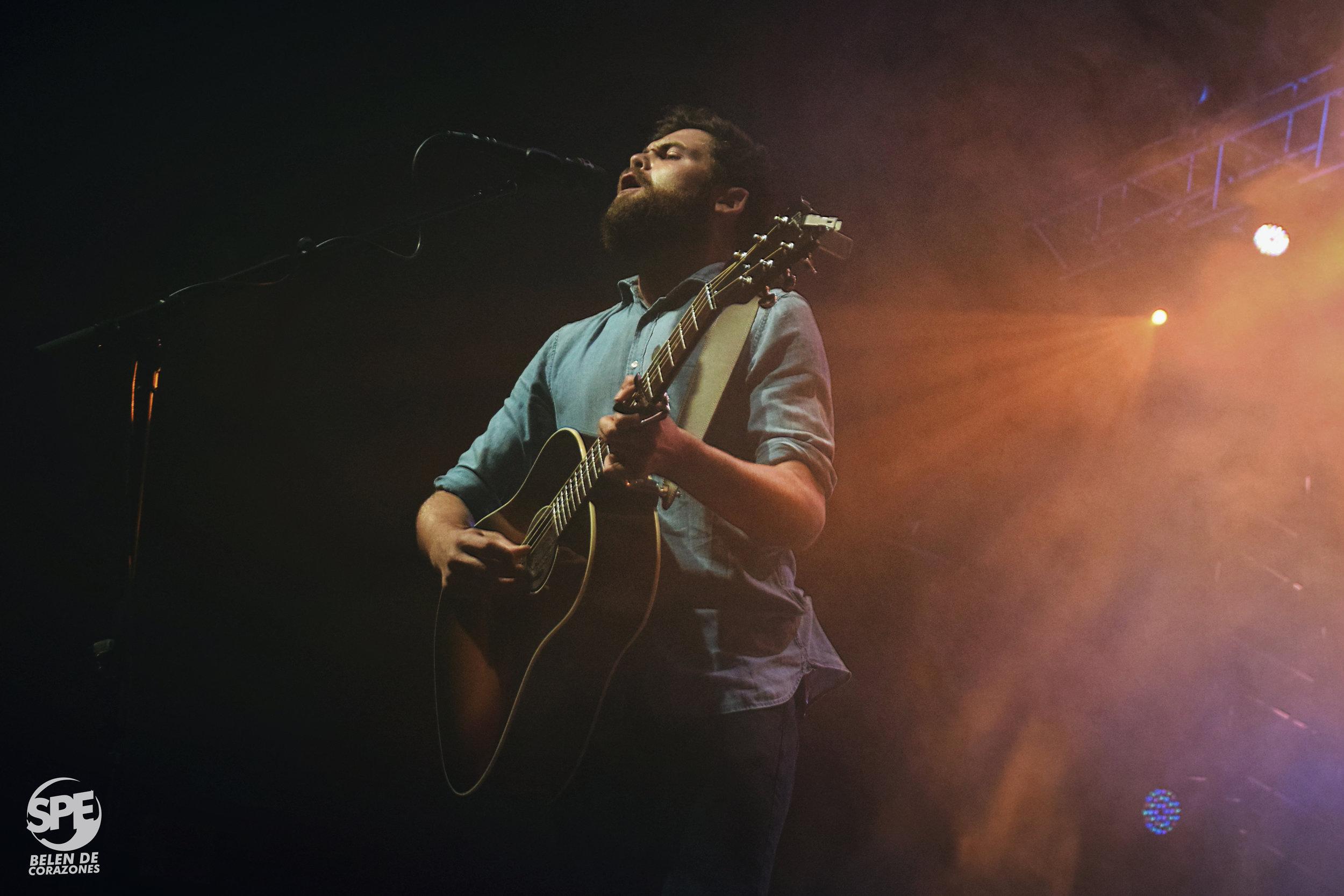 PASSENGER - 07.03.2019 @ TEATRO VORTERIXTras visitar Argentina acompañando a Ed Sheeran, Passenger retornó una semana después´para brindar su propio show en el Vorterix, con un público que cantó como si no hubiese un mañana. Como dijo el mismo artista, 1500 personas se sintieron como 15000.