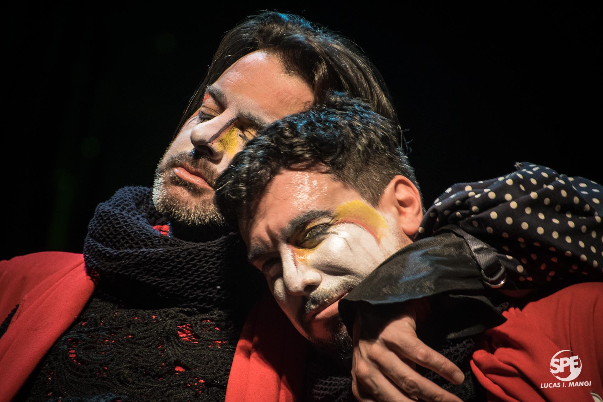 LA TRASNOCHADA - 30.06.19 @ TEATRO OPERA ORBISCerrando el FestiBAl Otoño 2019, la murga uruguaya se presentó en un espectáculo único.